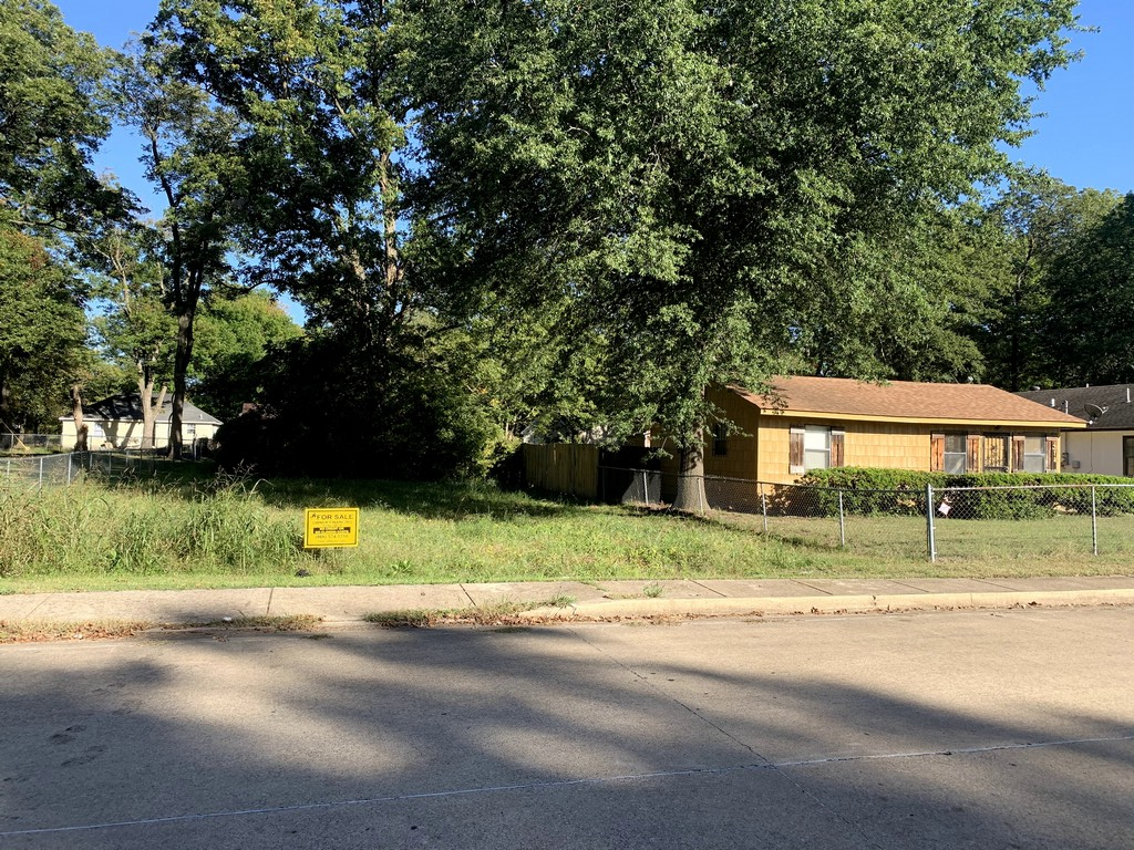 308 S 9th St, West Memphis, AR 72301