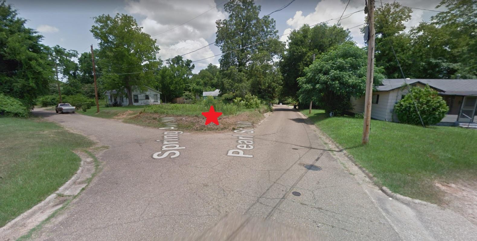 605 Spring Ave NW, Camden, AR 71701